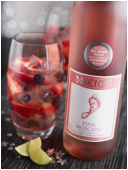 Barefoot Wine's Berry Moscato Cocktail