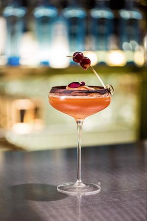 Dry Martini Valentine's Star Serve [1]